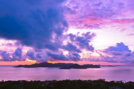 vue: Island Praslin Seychelles at sunset - nature background