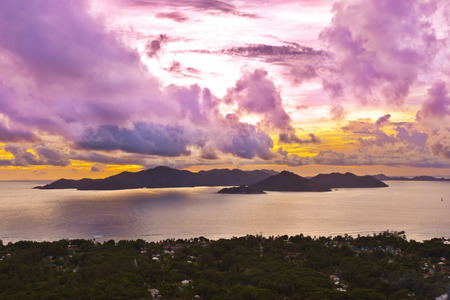 vue: Island Praslin Seychelles at sunset - nature background