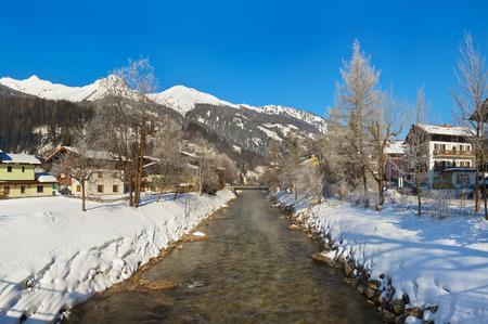 vapore acqueo: Montagne sciistica Bad Hofgastein Austria - natura e architettura di fondo