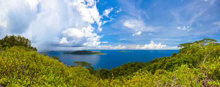vue: Island in ocean at Seychelles - nature background