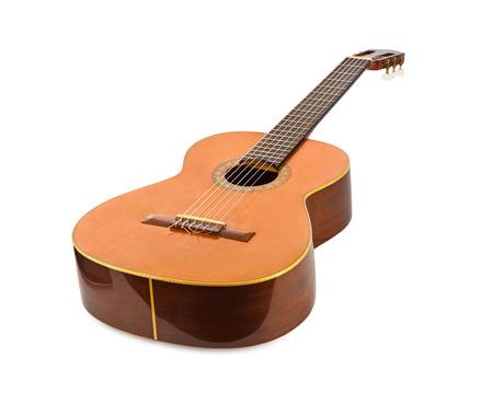 白い背景上に分離されて古典的なアコースティック ギター