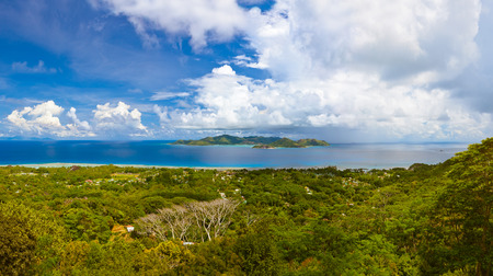 vue: Panorama of island Praslin and Mahe at Seychelles - nature background