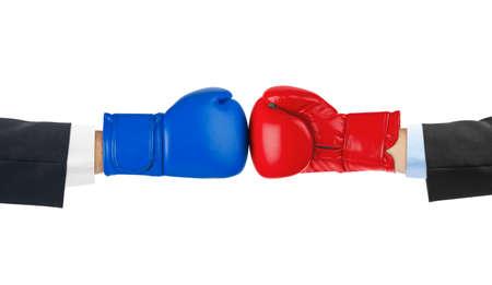 guantes de boxeo: Guantes de boxeo aislados en el fondo blanco Foto de archivo