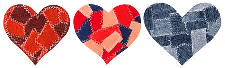 corazon roto: Jeans en forma de coraz�n de parches de objetos con puntadas de costura, decorativo Tela Mixta Fondo Blanco Aislado, D�a de San Valent�n Icono Textil