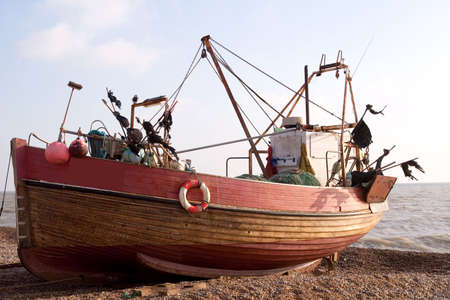hastings: Working clinker-built fishing boat on Hastings Beach Stock Photo