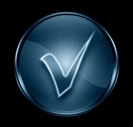 check icon: comprobar el icono de color azul oscuro, aislado sobre fondo negro. Foto de archivo