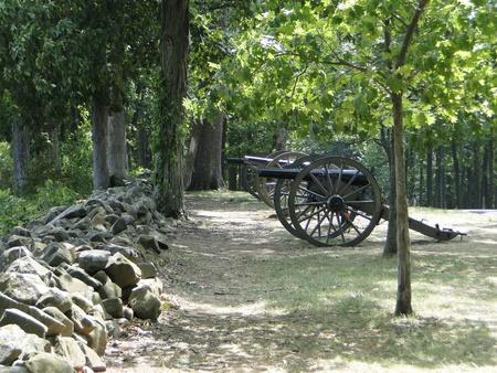 gettysburg battlefield: Rock wall with canons  - Gettysburg Battlefield Pennsylvania Stock Photo