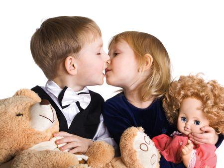 Niña y el niño beso  Foto de archivo - 2395849