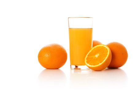 Zumo de naranja y naranjas