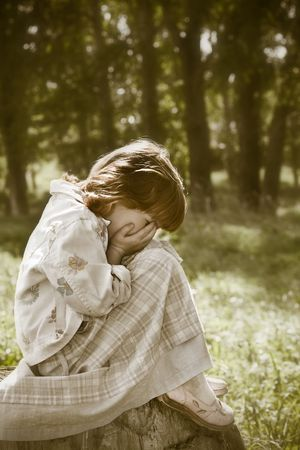 weeping: Lost little girl