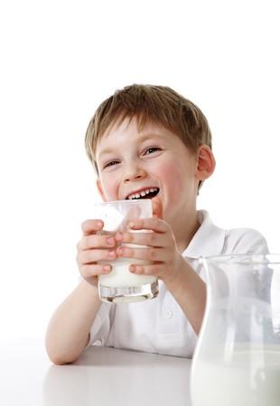 tomando leche: Leche de consumo de ni�o