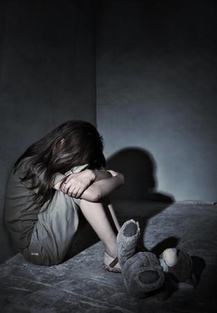 Verwaarloosde eenzaam kind