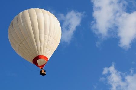 hot air ballon: Hot air balloon and blue sky Stock Photo