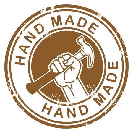 Tampon en caoutchouc grunge avec la main tenant un marteau et la main fait à l'intérieur des mots Vecteurs