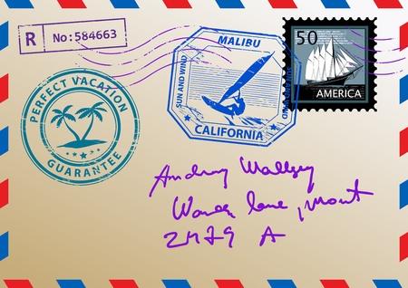 cartero: Correo sobre con sellos y cartas Vectores