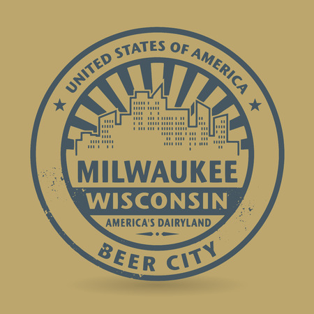oval  alcohol: Grunge rubber stamp with name of Milwaukee, Wisconsin