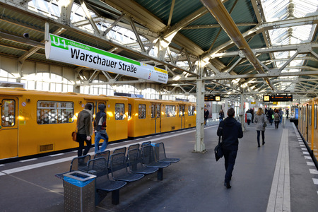 u bahn: BERLIN, OCTOBER 27: Warschauer Strasse U-bahn subway station on October 27, 2014 in Berlin, Germany. The U-Bahn serves 170 stations spread across ten lines with a total track length of 151.7 km.