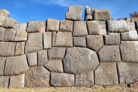 村 Saksaywaman、ペルー、南アメリカでインカの壁します。
