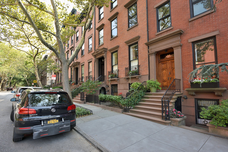 New York City, USA - August 27: Traditional houses in Brooklyn Heights on August 27, 2017 in New York City, NY. Brooklyn Heights is residential neighborhood within the New York City borough of Brooklyn Editoriali
