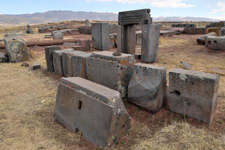 Ruinen von Pumapunku oder Puma Punku Teil einer großen Tempelanlage oder Denkmalgruppe, die Teil der Tiwanaku-Stätte in der Nähe von Tiwanaku Bolivien ist