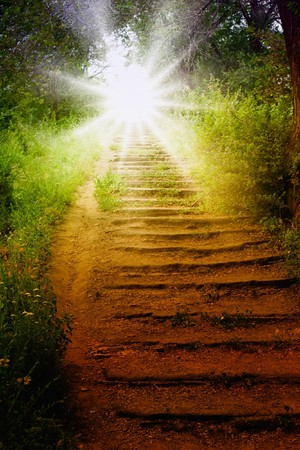 Escalier avec le soleil, la voie vers le ciel