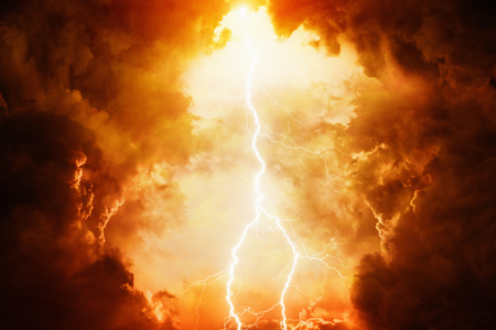 Apocalyptic dramatic background - bright lightning in dark red stormy sky, judgment day, hell Stockfoto