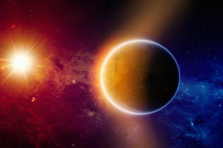 radiacion solar: Antecedentes científicos - brillante planeta Tierra en el espacio, sol brillante, galaxia rojo y azul con las estrellas y nebulosas.