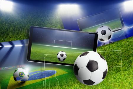 Abstract collage calcio - pallone da calcio e lo stadio sullo schermo dello smartphone, gioco sportivo online, calcio on-line, il layout campo di calcio
