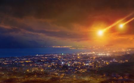 Dramatique fond apocalyptique - jour du jugement, fin du monde, impact d'astéroïde
