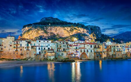 Sunset view of Cefalu, small resort city in Italian Metropolitan City of Palermo located on Tyrrhenian coast of Sicily, Italy Reklamní fotografie
