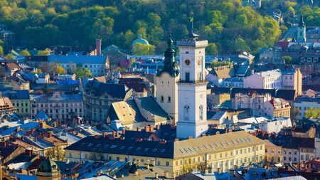 Aerial view of Lviv city hall located in center of old town district. Lviv is one of main cultural centres and largest city and in western Ukraine. 免版税图像