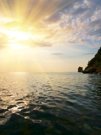 Landschaft mit Meer-K�ste-Sonnenuntergang