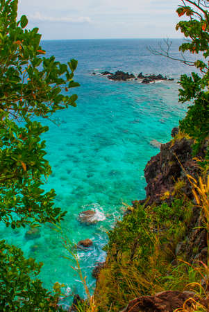 privilege: Beautiful sea. Apo island, Philippines, view on island beach line. The view from the top. Stock Photo