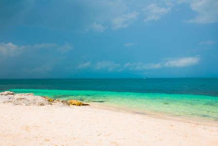 Exotic Paradise. Tropical Resort. Caribbean sea, Cancun. Mexico beach tropical in Caribbean Banque d'images - 99091211