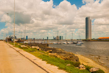The skyline of the historic city of Recife in Pernambuco, Brazil by the Capibaribe river. Recife, Pernambuco, Brazil, South America Imagens