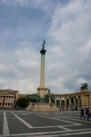 Budapest, Hungary. Heroes Square, Hosok Tere or Millennium Monument, major attraction of city, with 36 m high Corinthian column in center. Europe Stok Fotoğraf