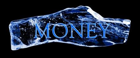 Wort Geld im Eis auf einem schwarzen Hintergrund eingefroren Standard-Bild - 12343359