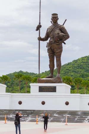 hua: PRACHUAP KHIRI KHAN, THAILAND - AUGUST 26 : unidentified people visit Rajabhakti Park with King Raresuan Monument on August 26, 2017 in Prachuap Khiri Khan, Thailand