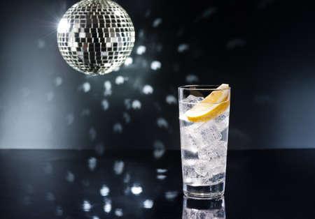 tom collins: Gin Tonic Tom Collins on the dance floor Stock Photo