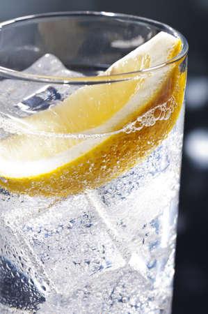Gin Tonic Tom Collins sulla pista da ballo Archivio Fotografico