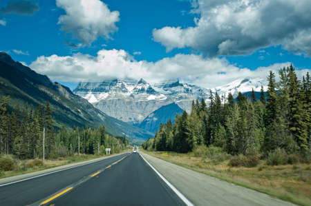 icefield: Icefield parkway between Jasper and Banff, Canada