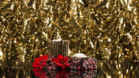 felicitaciones cumpleaÑos: Velas del otoño decorada en frente de un fondo de oro