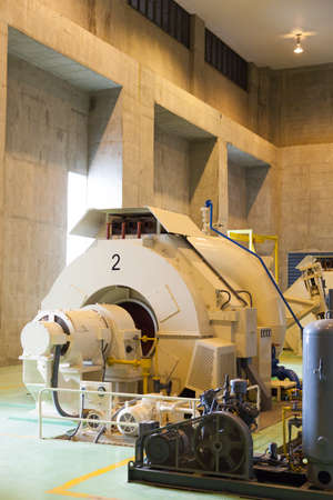 complex system: Power generators with water. Using a tidal power generation. Larger machines.