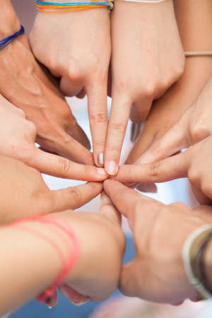 coordinacion: La coordinaci�n de la mano usados ??en conjunto, la armonizaci�n del trabajo en equipo en el lugar de trabajo. Foto de archivo