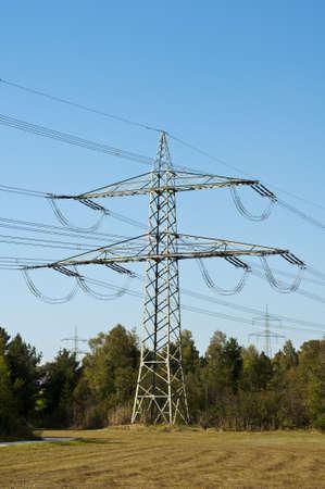 natur: Strommast in der Natur, torre elettrica, polo di alimentazione Archivio Fotografico