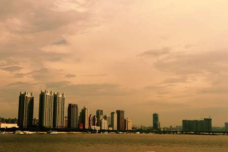 gules: Twilight of the city