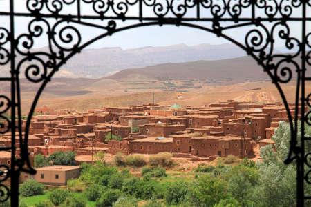 Klein dorp Telouet in Atlas gebergte, Marokko