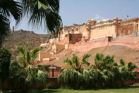 Indrukwekkende Amber Fort bij Jaipur stad in Rajasthan, India Stockfoto