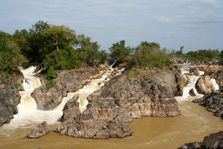khon: Powerful Don Khon  Khon Phapheng   waterfall on the Mekong river, Don Det, Laos