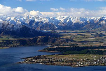 Mooi uitzicht vanaf het pad omhoog naar de top van de berg Roy, Zuidereiland, Nieuw-Zeeland Stockfoto